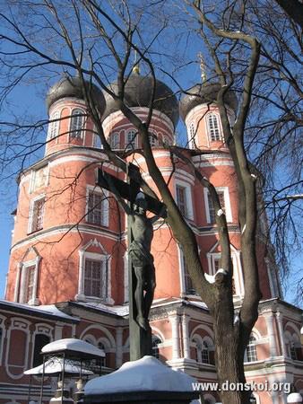 Большой собор Донского монастыря зимой. 2011 год