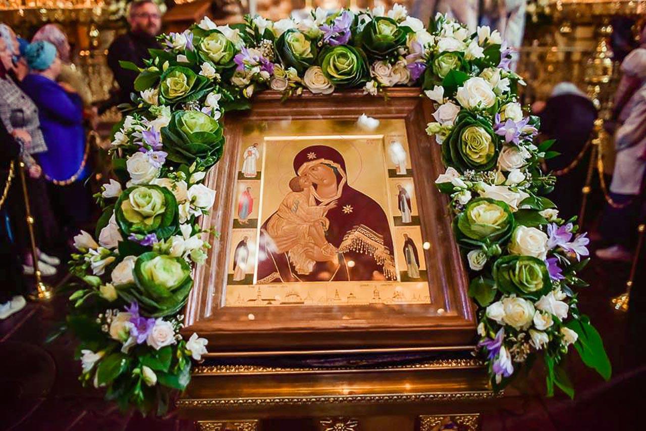 Молебен перед Донской иконой в Донском монастыре