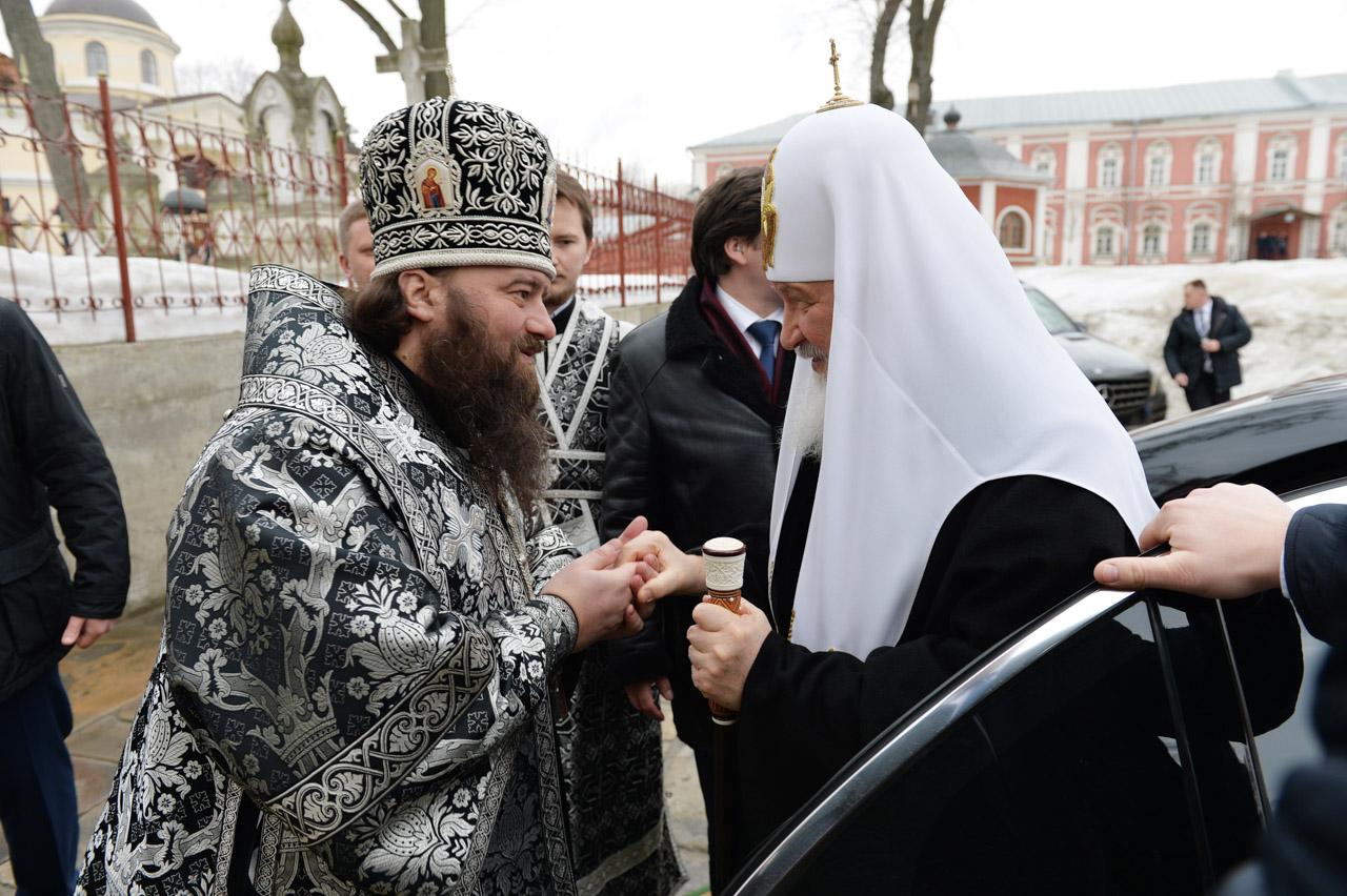 Служение Святейшим Патриархом Кириллом Литургии преждеосвященных Даров в Донском монастыре в Великий понедельник