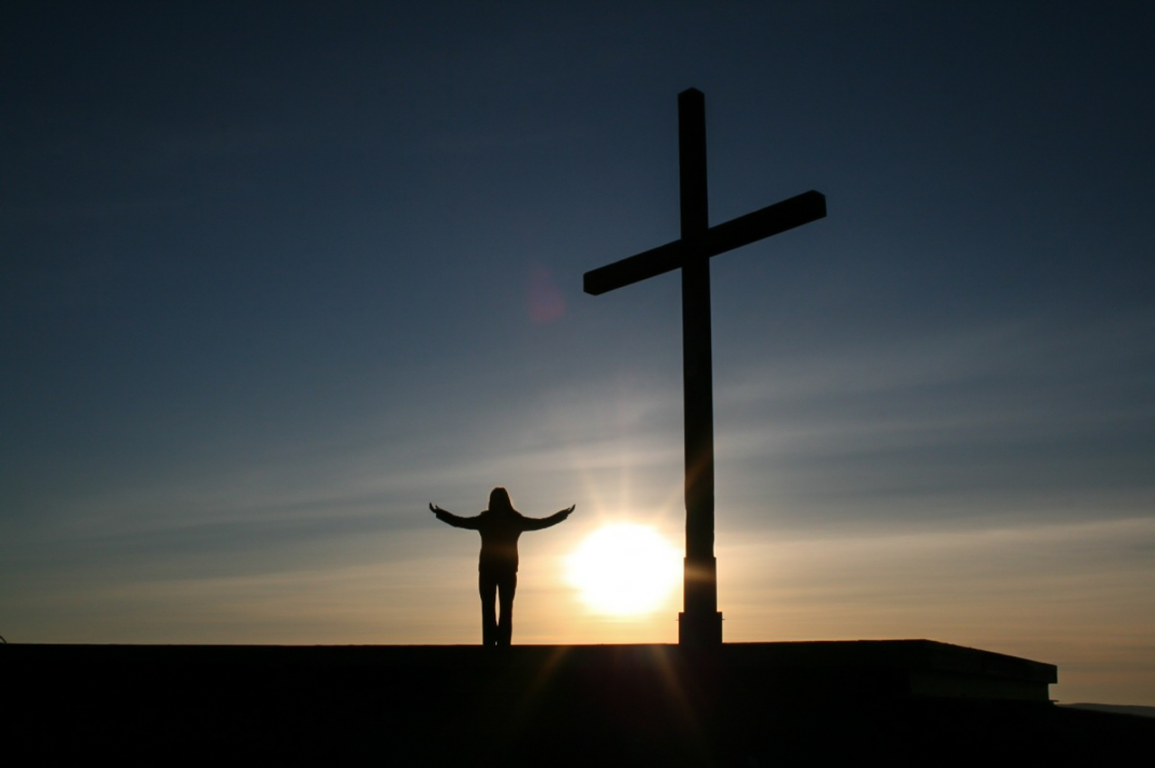 christianity_cross_god_person_religion_silhouette_sky_sunrise-971516_1