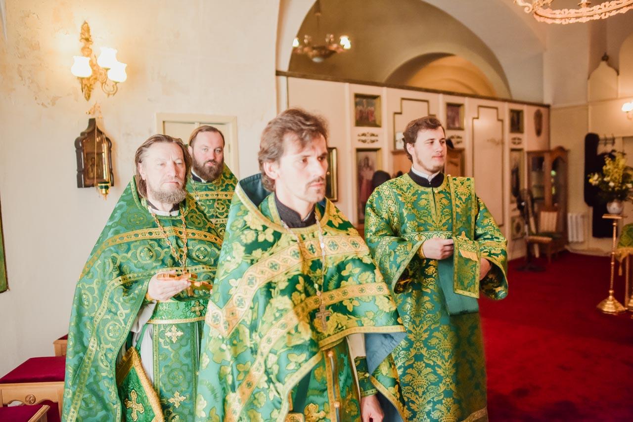 Престольный праздник в в храме преподобного Серафима Саровского в Донском монастыре