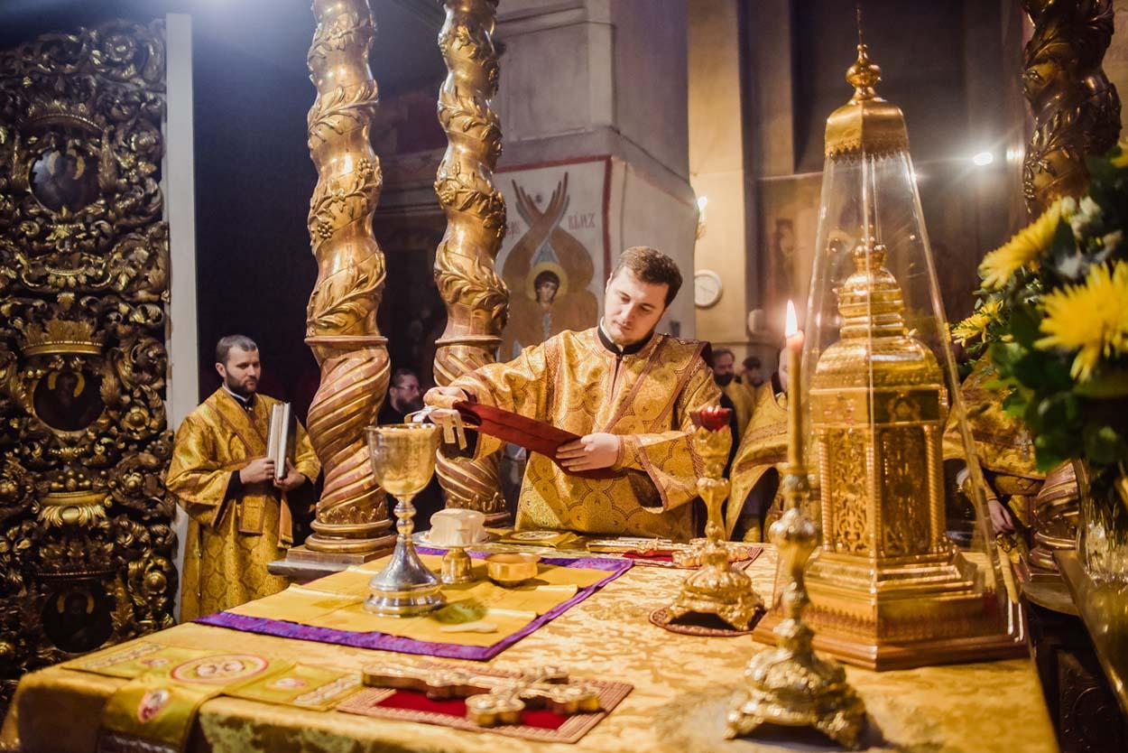 Праздничное богослужение в Донском монастыре