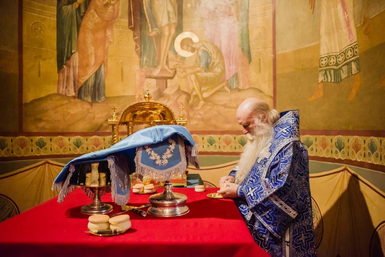 Праздник Введения во храм Пресвятой Владычицы нашей Богородицы и Приснодевы Марии и годовщина интронизации святителя Тихона Патриарха Всероссийского в Донском монастыре